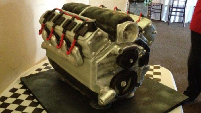 Это не просто двигатель - это съедобный двигатель! (6 фото)