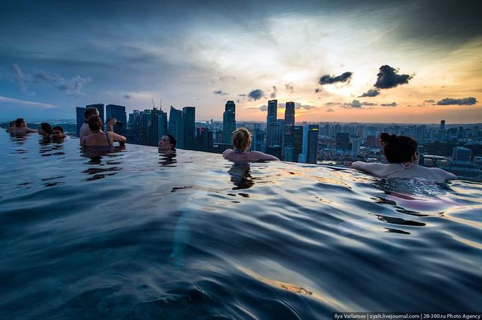 ����� Marina Bay Sands, ������� ��� �������� (35 ����)