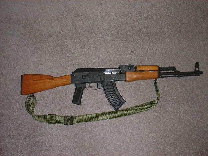 Автомат АК-47 и его эволюция развития (4 фото)