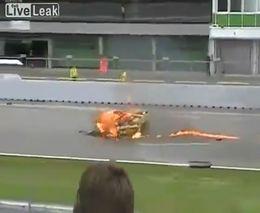 Автогонщик чуть не сгорел заживо
