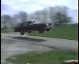 Необычный авто для прыжка