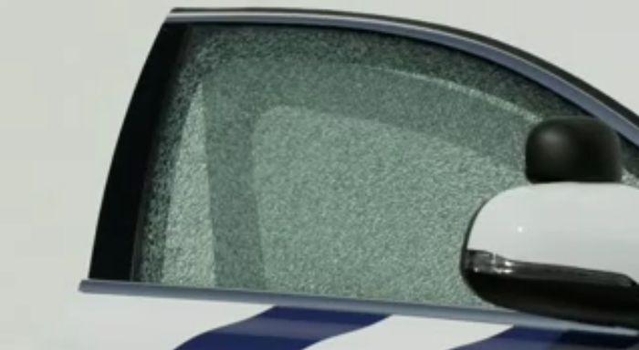 Саморазбивающиеся стекла от инженеров Volvo (видео)
