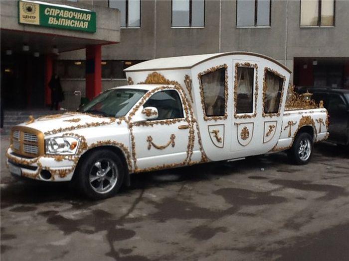 Фотоприкол фото карета, крутое авто, лимузин