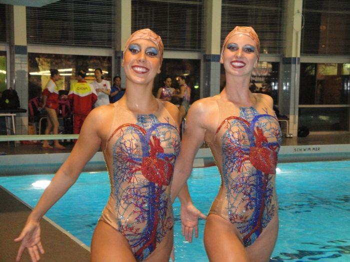 Фото онлайн костюмы, кровеносная система, купальник