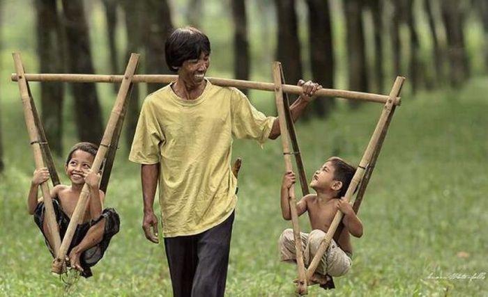 Фото малыши, отец и дети, приспособление