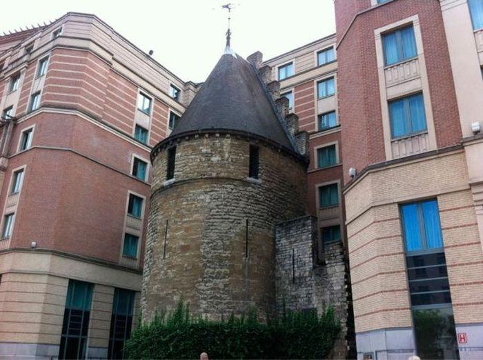 Фотоприкол онлайн башня пристройка, старинное здание