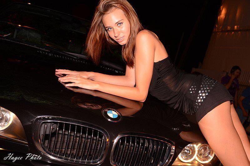 Голые девушки рядом с красивым автомобилем, келли мэдисон онлайн ролики