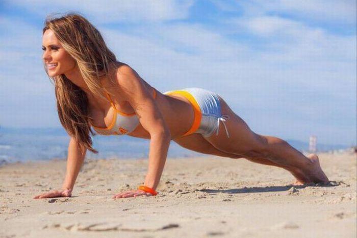 Стройные голые девочки на пляже фото 326-880
