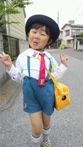 Зачетное фото азиат, костюм, ребенок, сумка