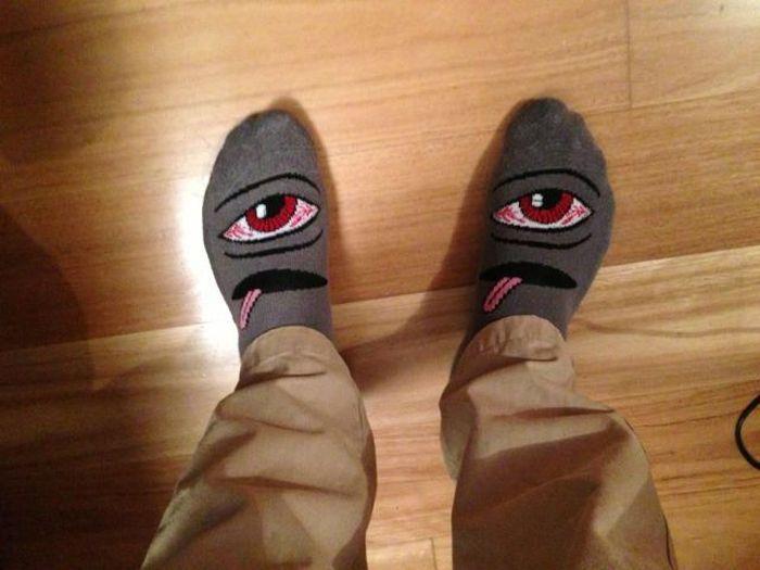Зачетное фото глаза, носки, рисунок