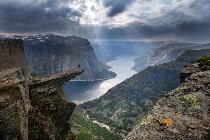 Фото выступ, красота природы, обрыв, река, скала