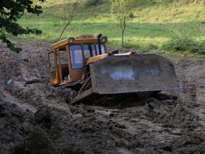 Юмор бульдозер, грязь, трактор, утопил