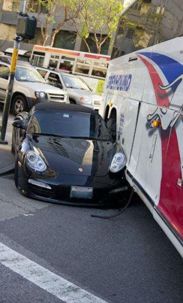 Юмор прикол авария, автобус, порше