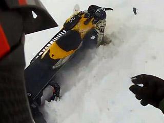 Падение со снегохода