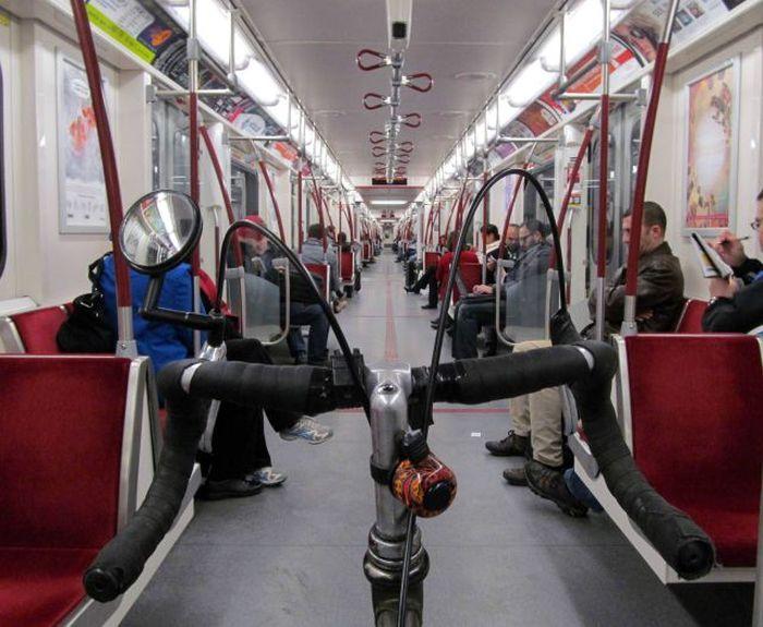 Бесплатно фото велосипед, метро, общественный транспо