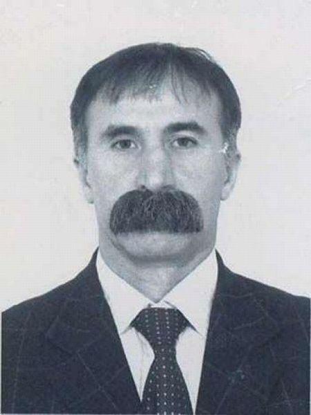 Свежий фотоприкол мужик, на паспорт, усы, фотография