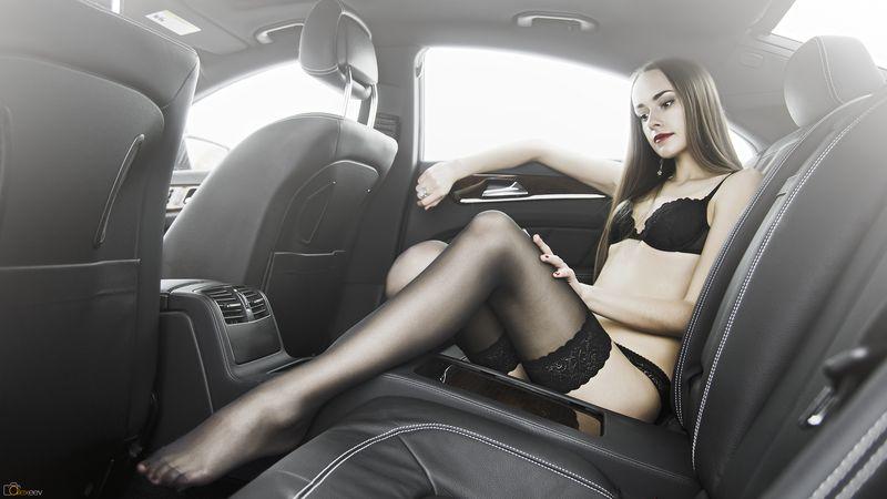 девушка верхом на секс машине - 3