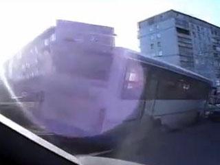 У автобуса отказали тормоза