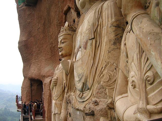 Пещеры Майцзишань – сокровище Китая (13фото)