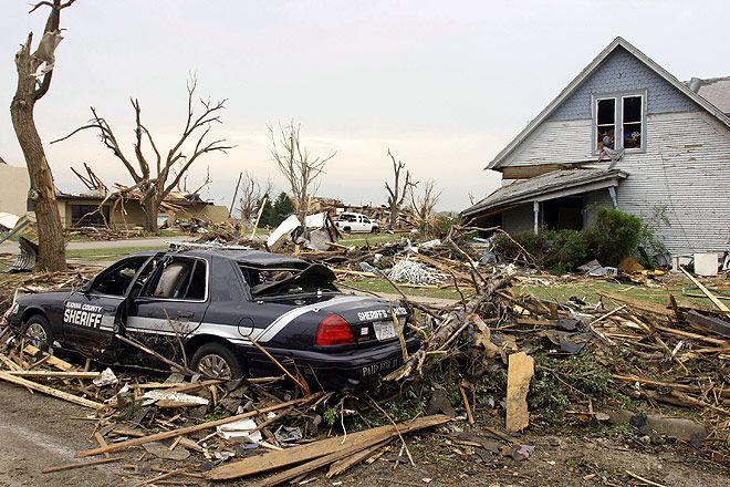 Последствия ураганов бурь и смерчей картинки