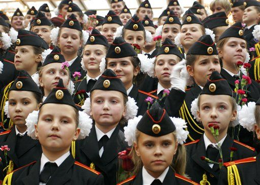 Девушки-военные (12 фото)