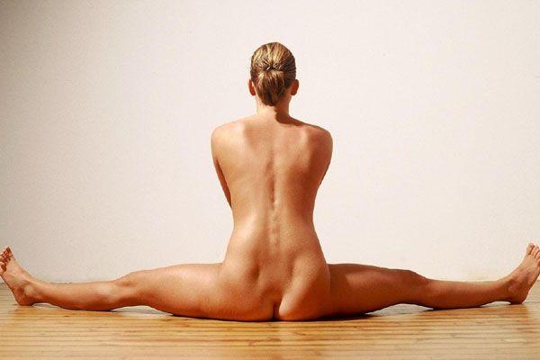 Nude Yoga Girl Goes Viral On Internet Photos
