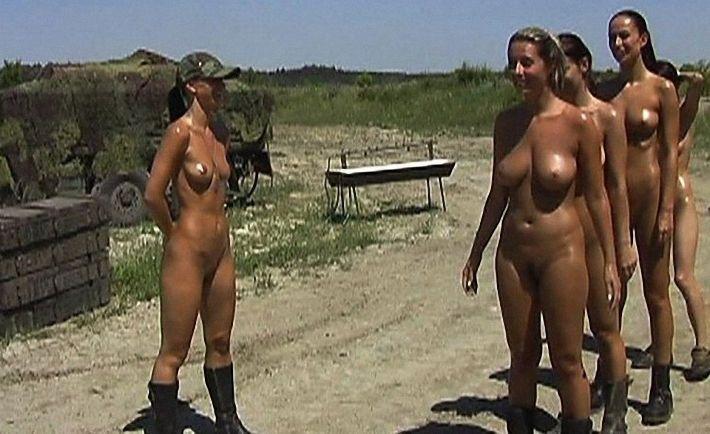 Ну очень эротичная армия (13 фото)