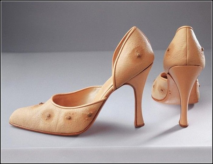 Голая и очень странная: «плотская» мода Николы Константино (5 фото)