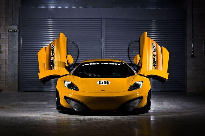 Гоночная версия McLaren MP4-12C (26 фото+видео)