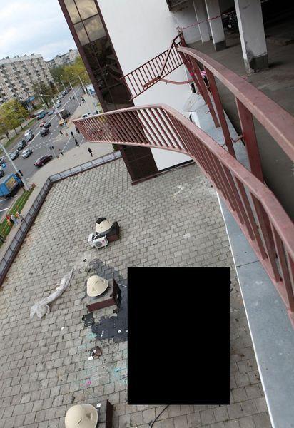 С паркинга в Минске упал Mercedes ML Brabus (16 фото)