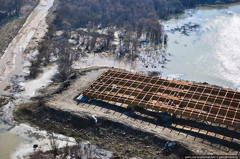 30-я опора моста (конец)  Дальше пойдёт дорога к ул. Большевистской.