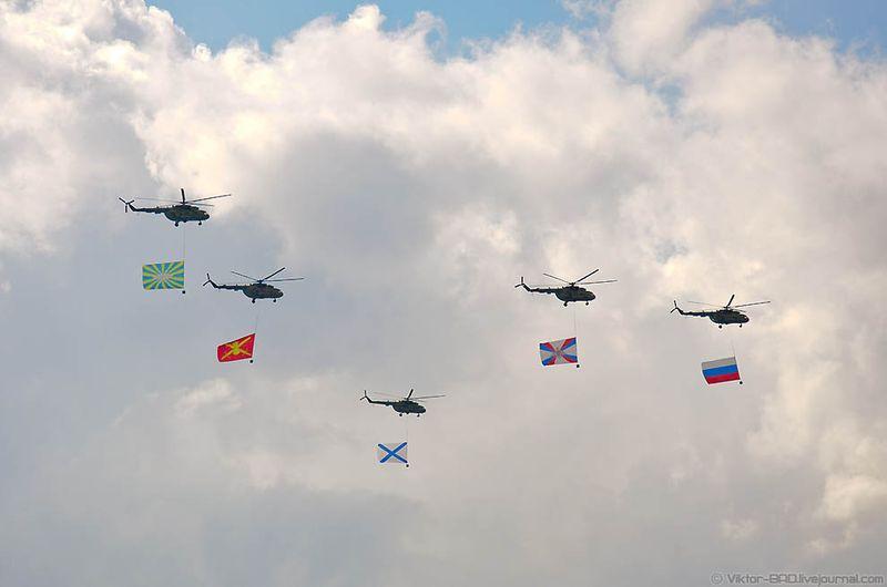 Кроме того, впервые в Параде Победы участвовали 200 лучших офицеров соединений и воинских частей Космических войск России, передает РИА «Новости». Однако это не единственное новшество.