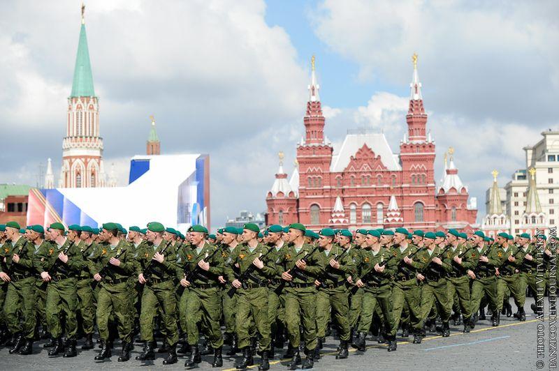Парад 9 мая 2011 в Москве (62 фото)
