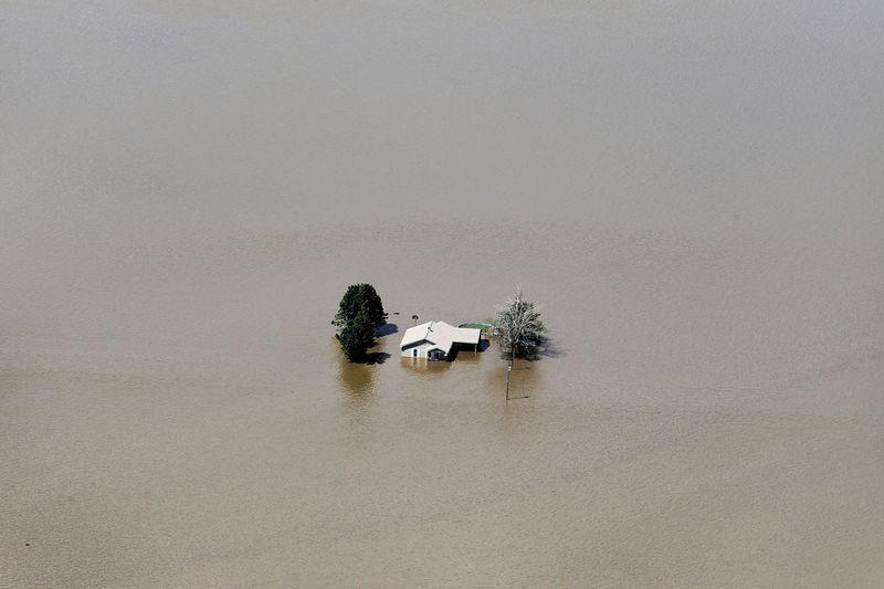 1039 Река Миссисипи вышла из берегов