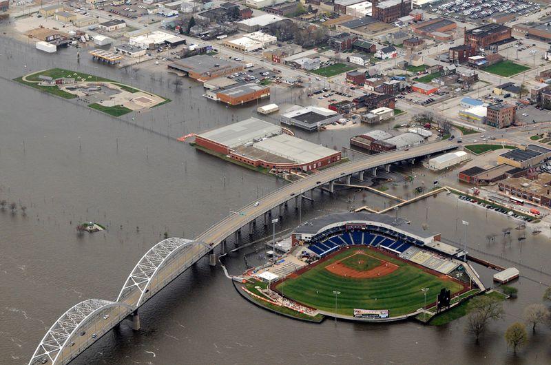 1436 Река Миссисипи вышла из берегов