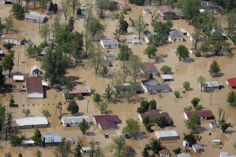 733 Река Миссисипи вышла из берегов