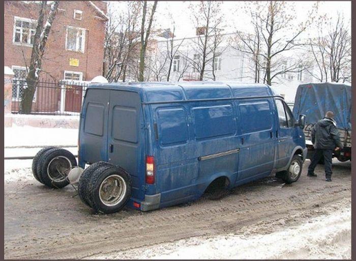 Подборка самых необычных автомобильных происшествий (34 фото)