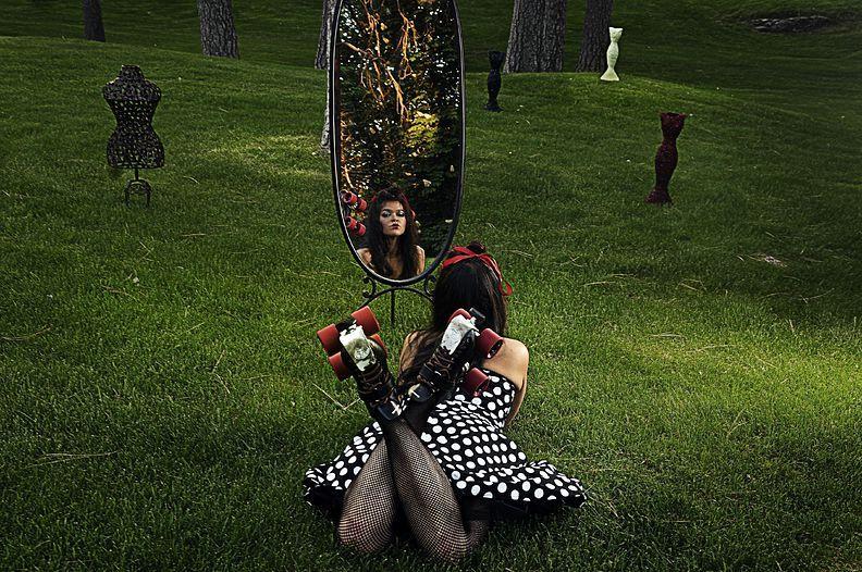 9. 30 мая 2008 года. – Спокан, штат Вашингтон, США. – Саммер Хайтауэр, также известная как Solar Ray of Death, любит фильмы ужасов.