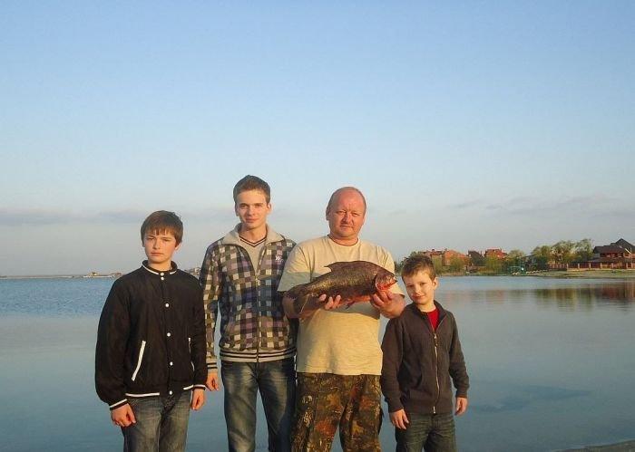В Ростовской области поймали гигантскую пиранью (4 фото)