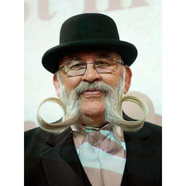 Билл Митчелл из США, победитель в номинации «Бакенбарды в свободном стиле».