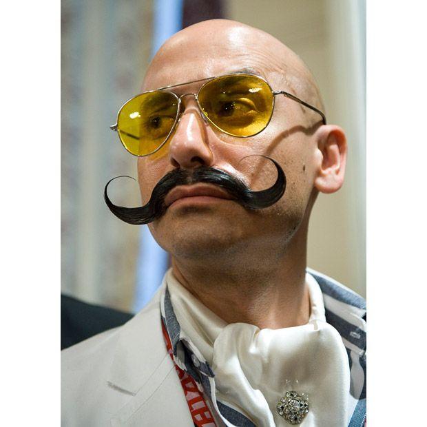 Йохан Доминик из США, победитель в номинации «Усы в имперском стиле».