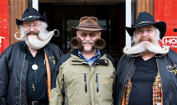 Слева направо: Герхард Кнапп, Дитер Безух и Питер Вейс из Германии.
