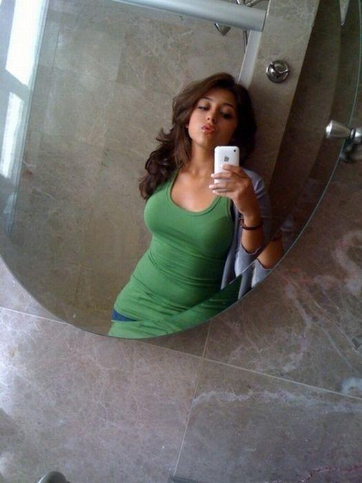 Заставить трахаться фоткалась дома сама фото онлайн девушка
