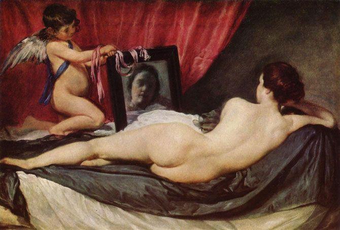 Самый известный случай произошел с французским писателем Стендалем, который во время любования шедевром упал в обморок. Известно, что сама Мона Лиза, позировавшая художнику, умерла молодой, в возрасте 28 лет. А сам великий мастер Леонардо ни над одним своим творением не работал так долго и тщательно, как над «Джокондой». Шесть лет — до самой своей смерти Леонардо переписывал и правил картину, но так до конца и не добился того, чего хотел. Картина Веласкеса «Венера с зеркалом» тоже пользовалась заслуженно дурной славой. Все, кто покупал ее, либо разорялись, либо погибали насильственной смертью. Даже музеи не очень хотели включать ее основную композицию, и картина постоянно меняла «прописку». Дело кончилось тем, что однажды на полотно набросилась сумасшедшая посетительница и изрезала его ножом.