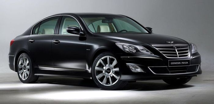 Hyundai Genesis в совместном проекте с брендом Prada (10 фото)