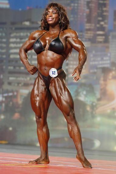 Дайана Кадо из Канады — Мисс Интернешнл 2007, одна из самых скандально известных женщин-бодибилдеров. Она постоянно занимает вторые места на чемпионатах, уступая Айрис, и не скрывает своего разочарования: «Меня убивает тот факт, что, имея прекрасное лицо и телосложение, после всех усилий, я слышу от судий, что правила женского бодибилдинга изменились… Но у меня есть все шансы на победу!»