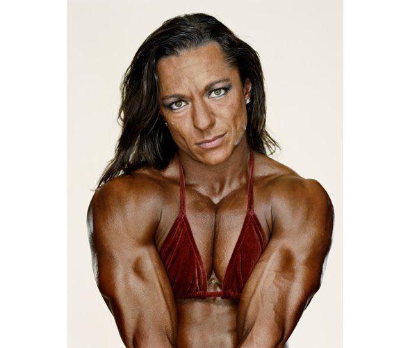 Надя Нарди из Канады — хотя и не занимает первых мест, зато удостоилась честь попасть в альбом фотографа Мартина Шоллера «Female Bodybuilders», состоящего из портретов знаменитых культуристок.