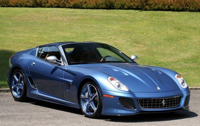 Эксклюзивный Ferrari Superamerica 45 (13 фото+3 видео)