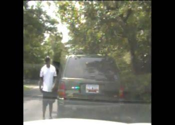 Парень угнал полицейскую машину