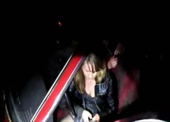 Пьяная девушка без прав за рулем